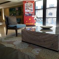 Photo taken at Anaheim Quality Inn & Suites by Stetz on 10/20/2013