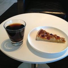 Photo taken at Qantas Business Lounge by Scott H. on 4/26/2013