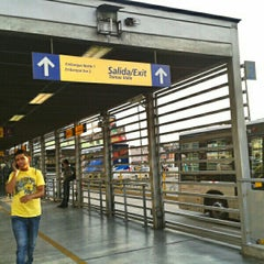 Photo taken at Estación Tomás Valle - Metropolitano by Jhonatan R. on 1/9/2013
