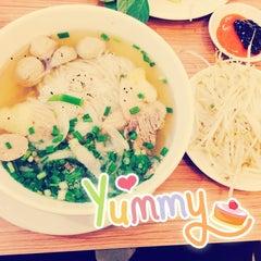 Photo taken at Phở 24 @ Vincom Center B by Đào L. on 10/7/2014