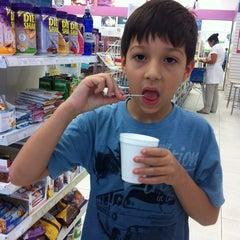 Photo taken at Droga Raia by Edison on 11/16/2012