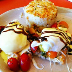 Photo taken at Snooze by Del C. on 10/8/2012