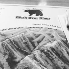 Photo taken at Yreka Black Bear Diner by Harry L. on 7/4/2015