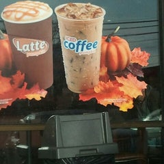 Photo taken at Dunkin Donuts by Ivette M. on 11/20/2012