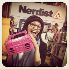 Photo taken at Meltdown Comics and Collectibles by Jasin D. on 4/16/2012