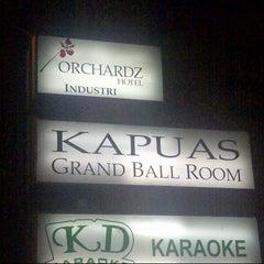 Photo taken at Orchardz Hotel by Aidil Nashriq A. on 2/2/2013