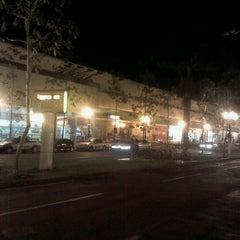 Photo taken at Shopping Avenida Center by Ailton L. on 10/25/2012