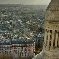 Photo taken at Basilique du Sacré-Cœur de Montmartre by Suzana L. on 2/8/2016