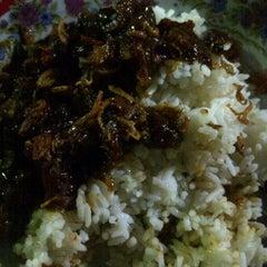 Photo taken at Nasi jagal by Bonida on 12/26/2012