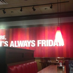 Photo taken at TGI Fridays by Fernanda on 7/27/2013