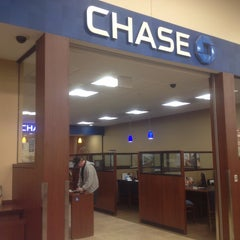Photo taken at Chase Bank by Josh v. on 2/5/2015