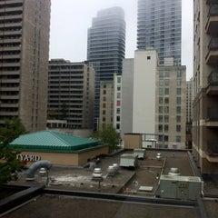 Photo taken at Courtyard Toronto Downtown by Cara on 10/6/2013