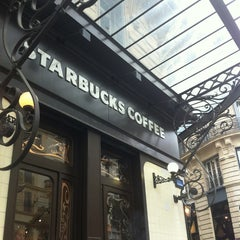 Photo taken at Starbucks by Arm on 9/20/2013