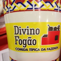 Photo taken at Divino Fogão by Staney P. on 1/21/2013