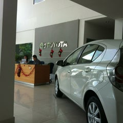 Photo taken at Toyota Service Centre Sg Besi KL by Mohd Rizal H. on 12/26/2012