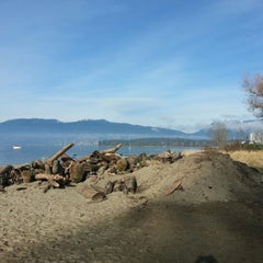 Photo taken at Kits Beach Basketball Courts by Paul H. on 1/19/2013