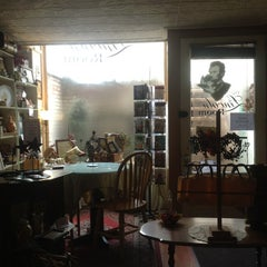 Photo taken at Lincoln Tea Room by Helen M. on 11/3/2012