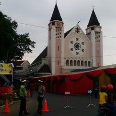 Photo taken at Gereja Katolik Katedral Santa Perawan Maria Dari Gunung Karmel by danybro on 12/24/2014