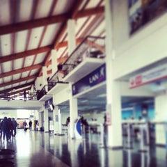 Photo taken at Aeropuerto La Florida (LSC - SCSE) by Gustavo E. on 5/20/2013