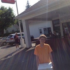 Photo taken at Carol Lee Donuts by Greg R. on 7/21/2013
