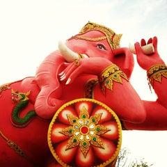 Photo taken at วัดสมานรัตนาราม (Wat Samanrattanaram) by Wiwat U. on 12/31/2012