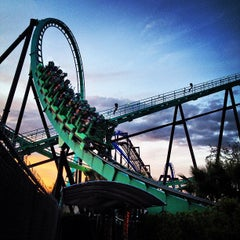 Photo taken at Six Flags Magic Mountain by Vinicius A. on 4/5/2013