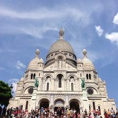 Photo taken at Basilique du Sacré-Cœur de Montmartre by Ji-Young H. on 7/18/2013