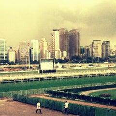 Foto tirada no(a) Jockey Club de São Paulo por Ludmila C. em 12/1/2012