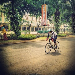 Photo taken at Grand Wisata by ridho m. on 10/20/2012