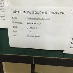 Photo taken at Ege Üniversitesi Fen Fakültesi E Blok (Biyoloji - Biyokimya) by Pelin K. on 4/24/2015