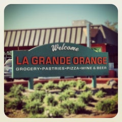 Photo taken at La Grande Orange Grocery & Pizzeria by Frank Z. on 11/16/2012