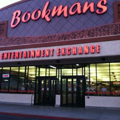 Photo taken at Bookmans by Aya M. on 11/18/2012