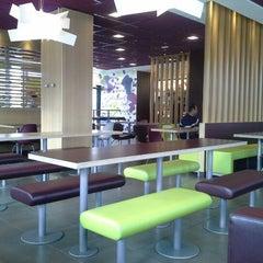 Photo taken at McDonald's by David Santos on 3/28/2013