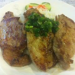 Photo taken at Lee Kam Kee Vietnamese Restaurant 李錦基越南餐廳 by Gigi T. on 6/21/2013