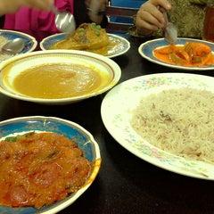 Photo taken at Restoran Shahira by Asyra R. on 2/8/2014