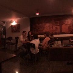Photo taken at Quiche & Pie by Esteban H. on 12/14/2013