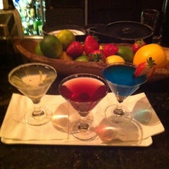Photo taken at Grandviews Lounge At The Grand Hyatt by Laine H. on 10/21/2012
