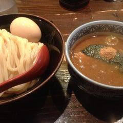 Photo taken at 三田製麺所 恵比寿南店 by Marie S. on 6/22/2013