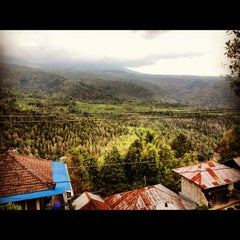 Photo taken at Puri Lumbung Cottages by Anna M. on 10/8/2012