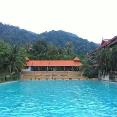 Photo taken at Koh Chang Resortel by JinShuanG on 4/13/2015