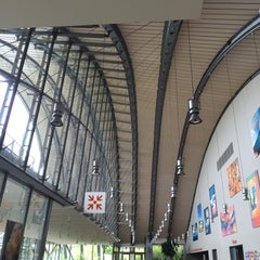 Photo taken at Zentrum Paul Klee by Fuminori N. on 6/18/2015
