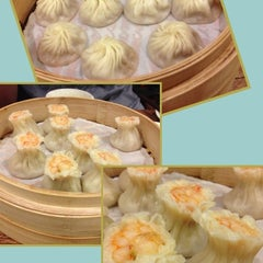 Photo taken at 鼎泰豐 Din Tai Fung by Nozomu K. on 10/7/2012