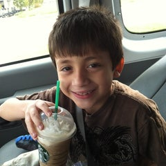 Photo taken at Starbucks by Jimmie D. on 10/7/2012