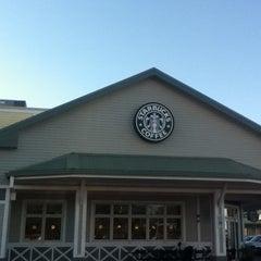 Photo taken at Starbucks by Helena R. on 1/17/2013