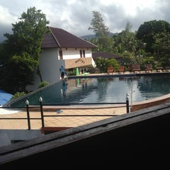 Photo taken at Tharatip Resort by Mali Malinee on 12/30/2012