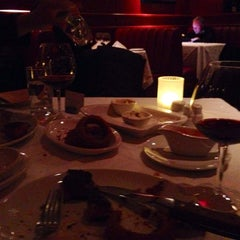 Photo taken at Fleming's Prime Steakhouse & Wine Bar by min h. on 11/16/2013