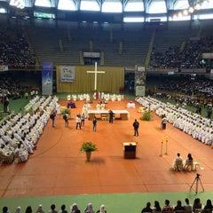 Photo taken at Estádio Jornalista Felipe Drummond (Mineirinho) by Wenderson N. on 3/28/2013