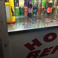 Photo taken at Hot Dog Benassi by Márcio B. on 8/7/2013