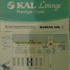 Photo taken at Sky Team Alliance - Skylounge by 효준 임. on 1/20/2013