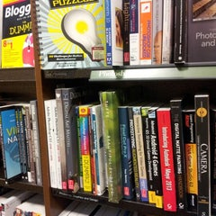 Photo taken at Barnes & Noble by Daniel K. on 10/13/2012